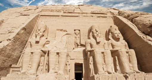 Discover the temple of Abu Simbel on your Egypt Tour