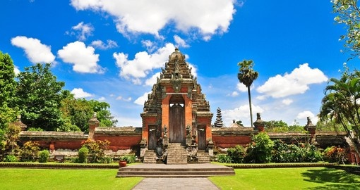 You will be amazed during your trip to Bali of the design of balinese temples. True architectural marvels.