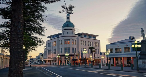 Napier is renown for it's stunning and beautifully-restored Art Deco buildings