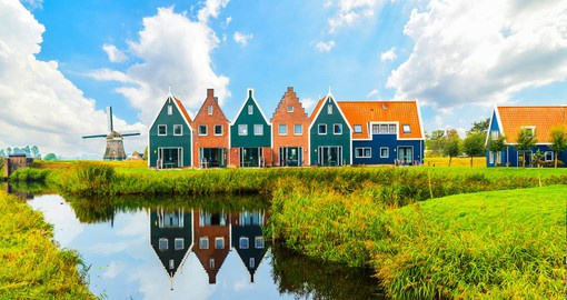 Volendam is known for its lovely harbor, the fishing trade and it's authentic Dutch character
