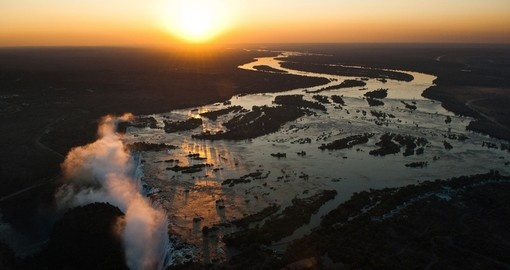 Victoria falls seen from the air is a great addition to your Zimbabwe safari.