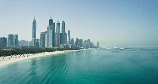 Relax on the white sand beaches of Dubai and experience a afternoon of luxury on your Dubai vacation