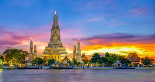 Feel the energy that Bangkoks skyline gives out at night on your Thai Vacation